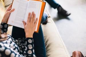 ¿Para Qué Leer Libros Cristianos si Tenemos la Biblia?