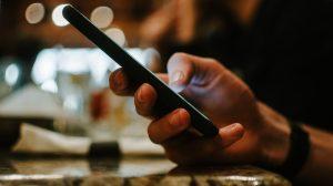 ¿Deberían los cristianos hablar de política en redes sociales?