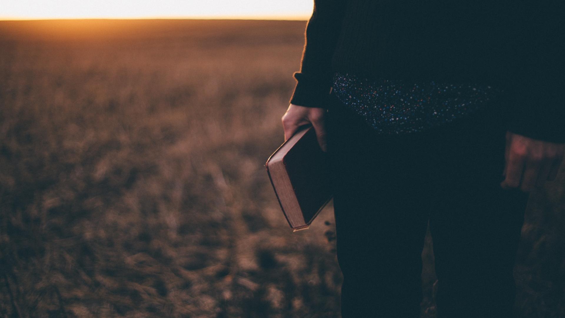El legalismo y el antinomismo no son polos opuestos